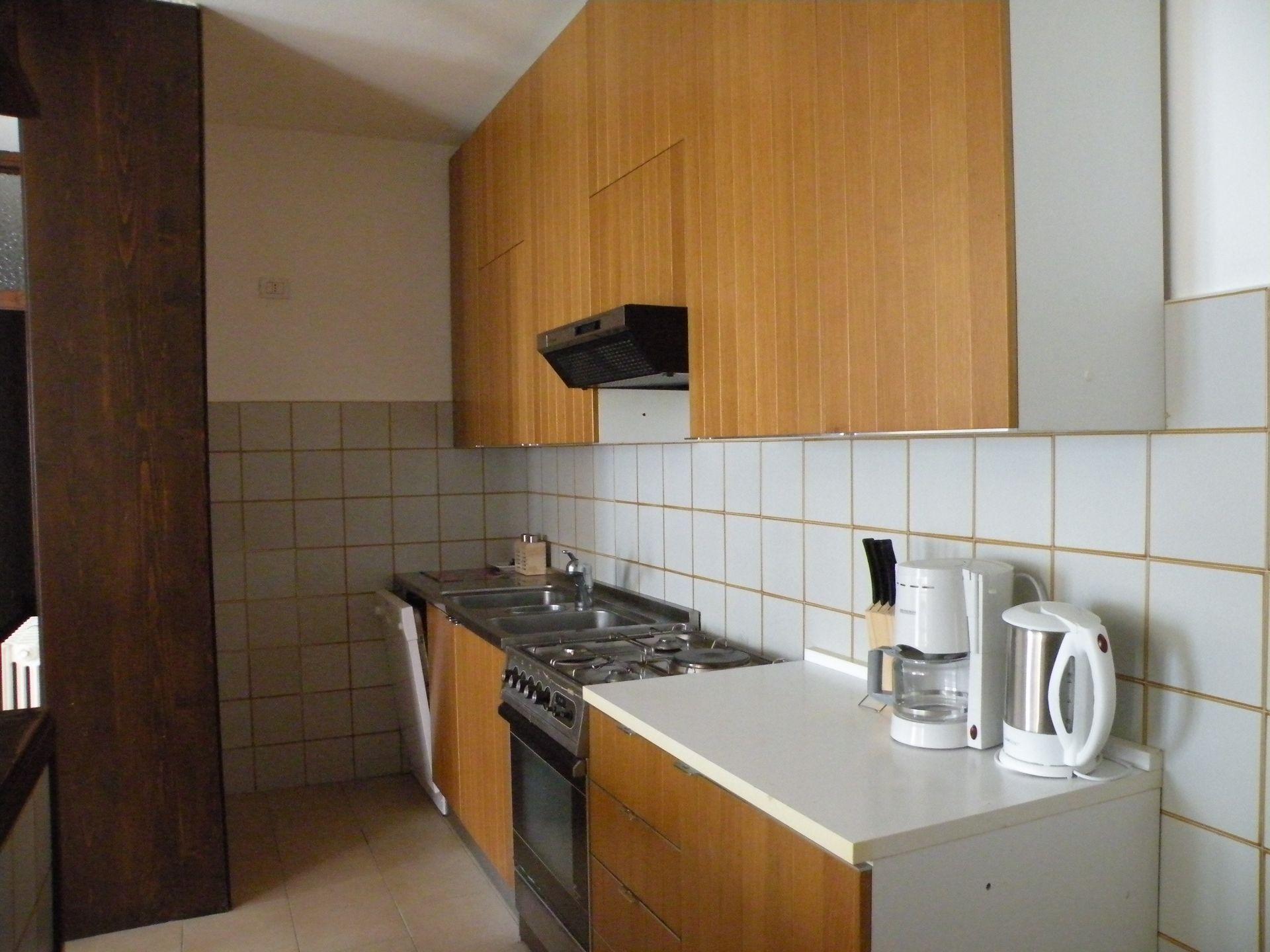 Vendita affitto appartamenti bellano lc lago di como for 2 camere da letto 2 piani del bagno